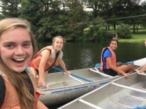 leah-kayaking-selfie